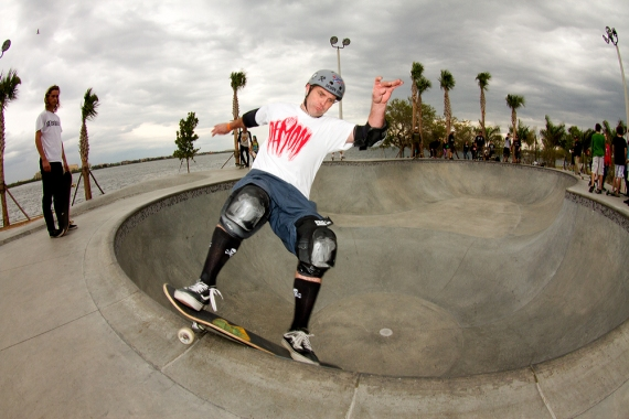 Steve Workman, Smith Grind, Bradenton Riverwalk Skatepark, Bradenton, FL. Photo © No Comply Skateboard Mag