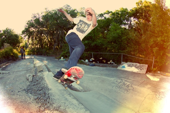 Nick Barwick, Pivot Fakie, Fun City D.I.Y. Photo © No Comply Skateboard Mag. Click image to view large.