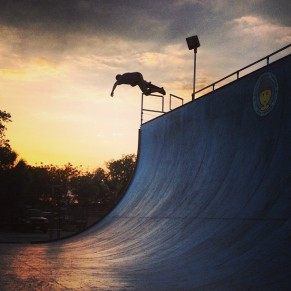 @spottampa Vert Sunset. Photo @derek_antiair