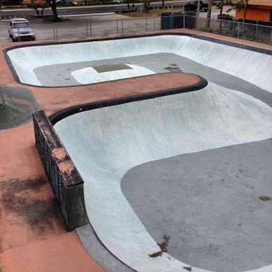 "The ""9"" bowl at Stone Edge Skatepark, Daytona, FL. Photo @derek_antiair"