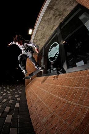 David Morefield, Backside 360 in tight quarters, Titusville, FL. Photo_Nathan Glenn