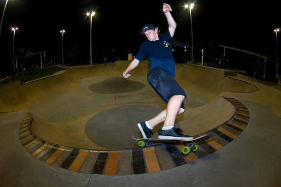 Drew Hoffman, Frontside Hurricane, Lakeland, FL. Photo © No Comply Skateboard Mag